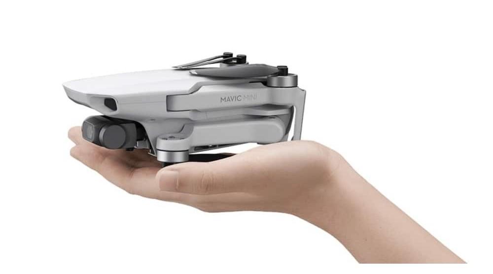 Volare con i droni senza patentino a meno di 400 euro: oggi si può